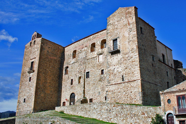 parco-delle-madonie_castello-dei-ventimiglia_castelbuono