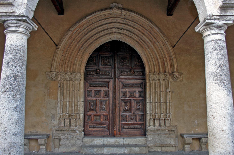 parco-delle-madonie_petralia-soprana_portale-chiesa