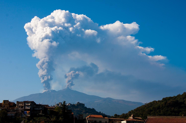 parco-etna_eruzione-crateri-sommitali