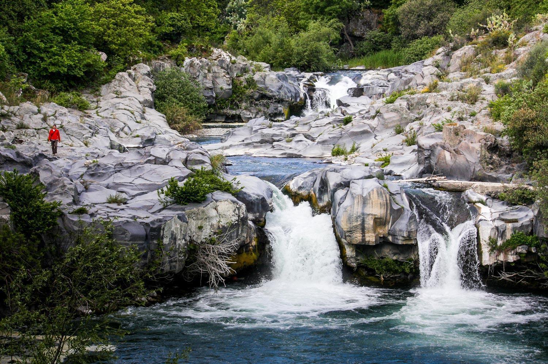 parco-fluviale-alcantara_cascate-passerella